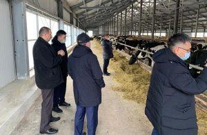 Министр Сапархан Омаров посетил Минский молочный завод №1