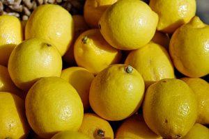 В ручной клади пытались провезти около 450 кг лимонов из Узбекистана