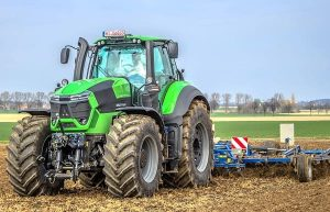 трактор Deutz-Fahr 19