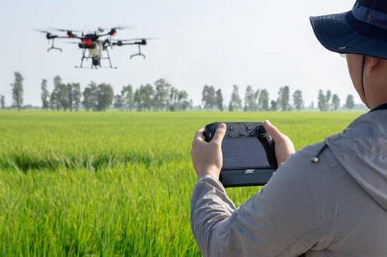 DJI выпустил интеллектуальный дрон-опрыскиватель AGRAS T20