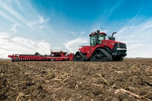 The new Case IH AFS Connect™ Steiger® series tractor combines proven power with a redesigned cab and advanced technology